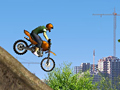 Construction Yard Bike играть онлайн